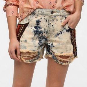 BDG Mid Rise Freja Faded Destroyed Bleached Shorts